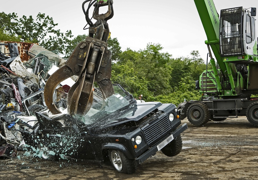 Destruction of illegally imported and unsafe Land Rover Defender.